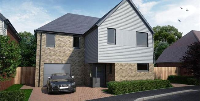 £520,000, 4 Bedroom Detached House For Sale in Canterbury, CT2