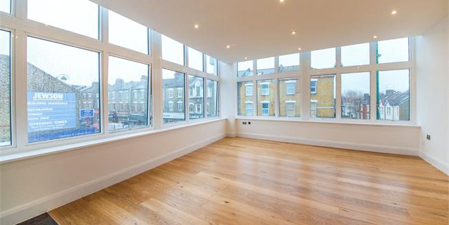 Fixed Price £399,000, 2 Bedroom Flat For Sale in Leytonstone, E11