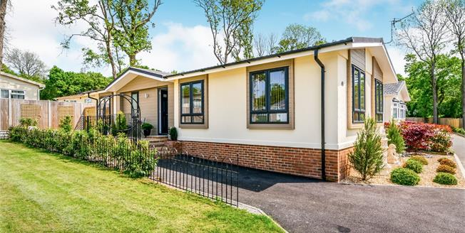 Asking Price £300,000, 2 Bedroom Mobile Home For Sale in Brooks Green, RH13