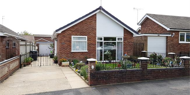 Guide Price £220,000, 3 Bedroom Detached Bungalow For Sale in Caister-on-Sea, NR30