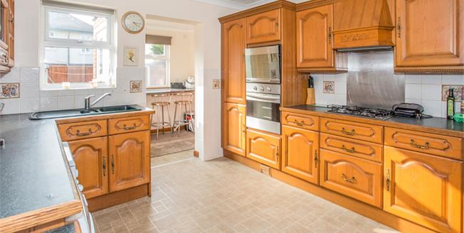 Guide Price £200,000, 4 Bedroom Semi Detached House For Sale in Great Yarmouth, NR30