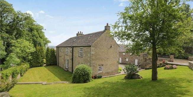 Guide Price £775,000, 4 Bedroom Detached House For Sale in Whaley Bridge, SK23