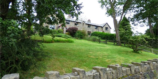 Guide Price £225,000, 2 Bedroom Terraced House For Sale in Whaley Bridge, SK23