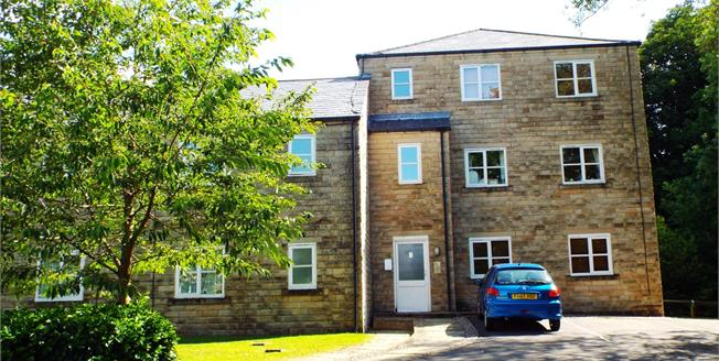 Guide Price £55,000, 1 Bedroom Flat For Sale in Hayfield, SK22