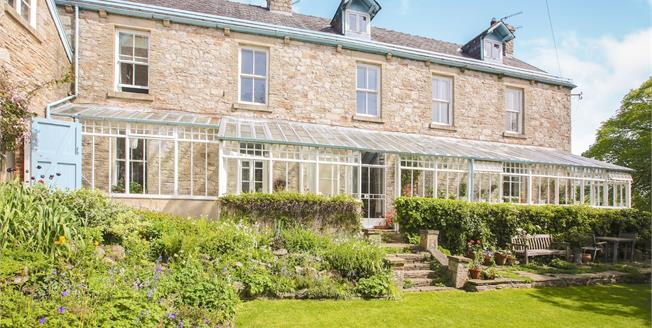 Guide Price £795,000, 5 Bedroom Detached House For Sale in Whaley Bridge, SK23