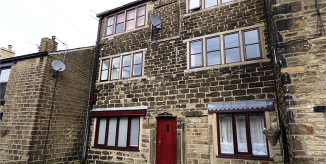 Guide Price £110,000, 1 Bedroom Flat For Sale in Hayfield, SK22