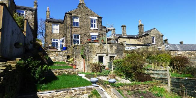 Guide Price £300,000, 3 Bedroom Semi Detached House For Sale in New Mills, SK22