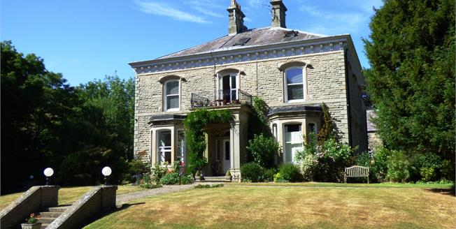 Offers Over £220,000, 2 Bedroom Flat For Sale in Hayfield, SK22