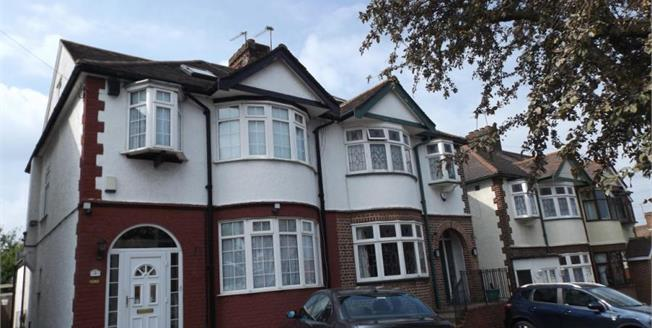 Guide Price £585,000, 4 Bedroom Semi Detached House For Sale in Woodford Green, IG8