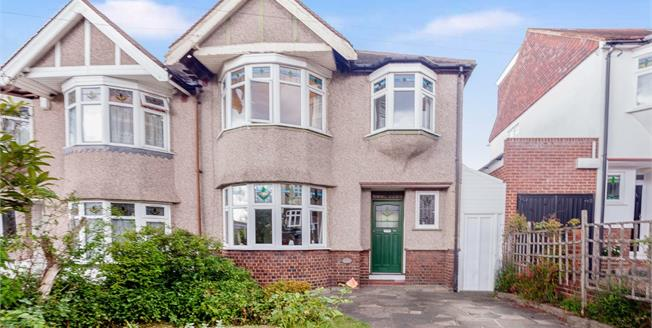 Guide Price £650,000, 3 Bedroom Semi Detached House For Sale in Woodford Green, IG8