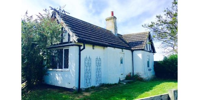 Offers Over £345,000, 2 Bedroom Detached Bungalow For Sale in Fosdyke, PE20