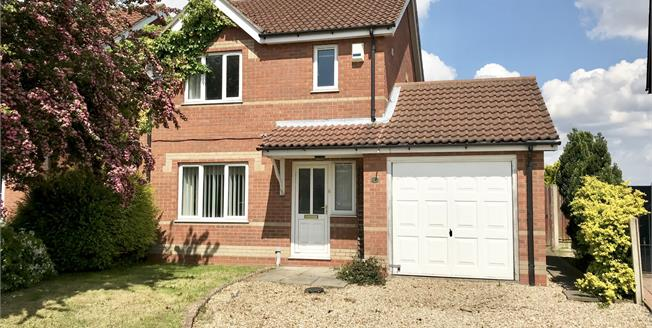 Asking Price £165,000, 3 Bedroom Detached House For Sale in Fishtoft, PE21