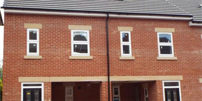 £249,950, 3 Bedroom Town House For Sale in West Avenue, DE1
