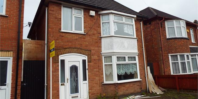 Guide Price £165,000, 3 Bedroom Detached House For Sale in Leicester, LE3