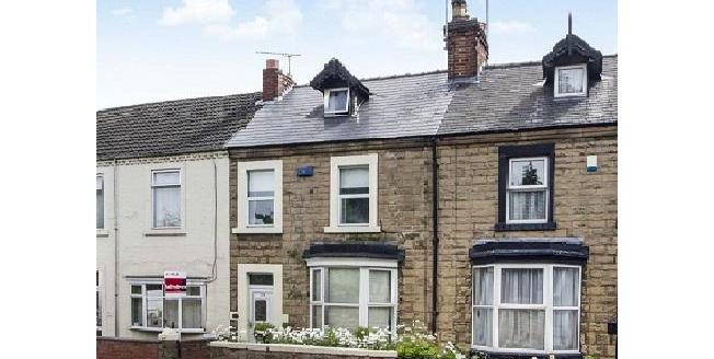 Guide Price £120,000, 3 Bedroom Terraced House For Sale in Mansfield, NG18
