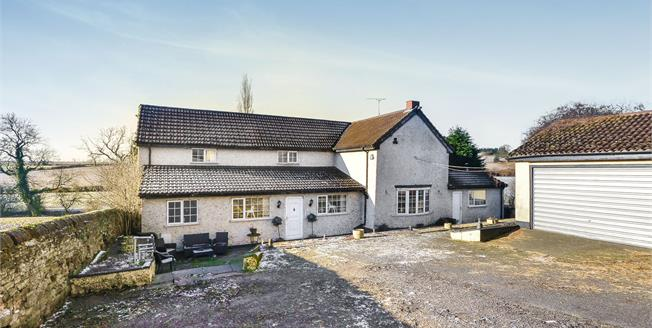 £600,000, 3 Bedroom Detached House For Sale in Huthwaite, NG17