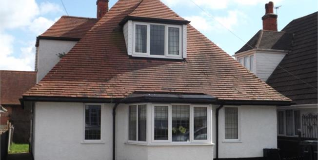 Offers Over £160,000, 4 Bedroom Detached House For Sale in Skegness, PE25