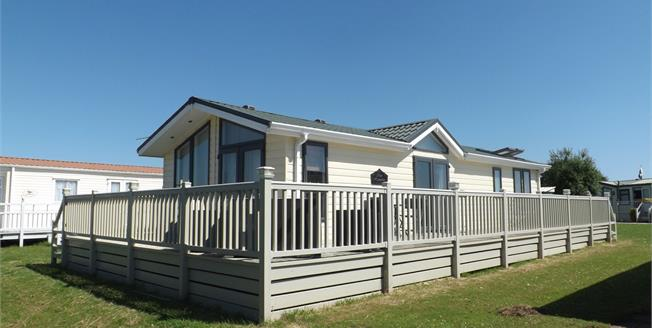 Asking Price £65,000, 2 Bedroom Detached Bungalow For Sale in Ingoldmells, PE25