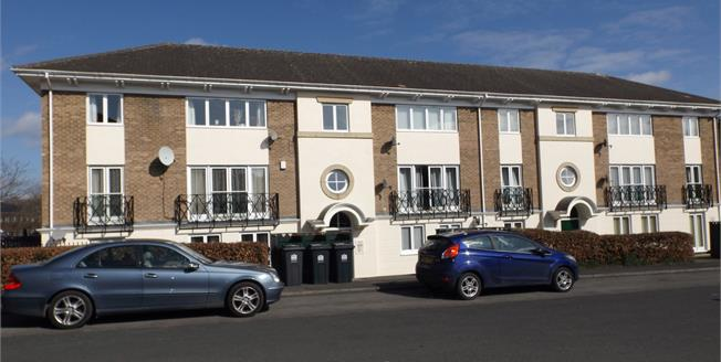 £100,000, 2 Bedroom Flat For Sale in Darlington, DL3