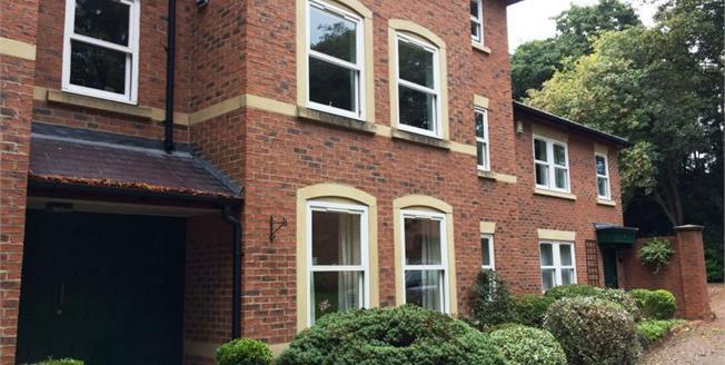 £175,000, 2 Bedroom Flat For Sale in Darlington, DL3