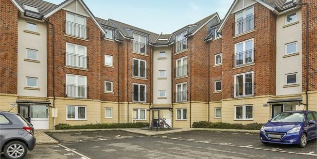 Offers Over £110,000, 2 Bedroom Flat For Sale in Gilesgate, DH1