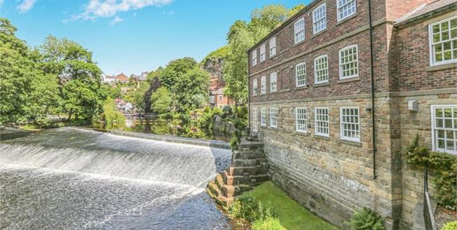 Offers in the region of £260,000, 1 Bedroom Upper Floor Flat For Sale in Knaresborough, HG5