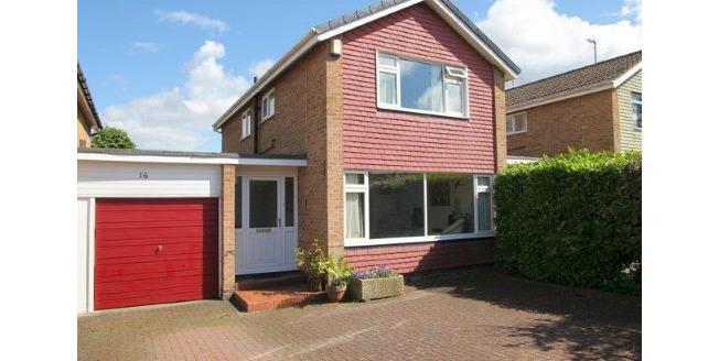 Guide Price £315,000, 3 Bedroom Detached House For Sale in Knaresborough, HG5