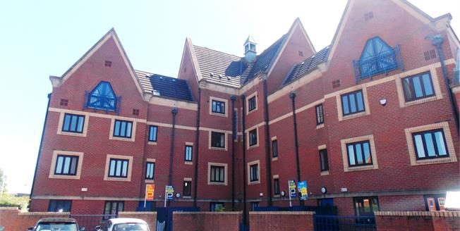 Guide Price £45,000, 1 Bedroom Flat For Sale in Stockton-On-Tees, TS17
