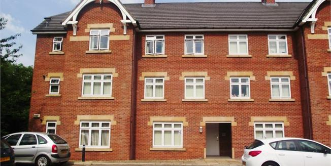 Offers Over £119,950, 2 Bedroom Upper Floor Flat For Sale in Middlesbrough, TS4