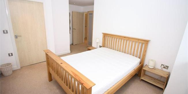 Offers Over £140,000, 2 Bedroom Flat For Sale in Newcastle upon Tyne, NE1