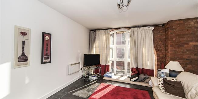 Offers Over £195,000, 2 Bedroom Flat For Sale in Newcastle upon Tyne, NE1