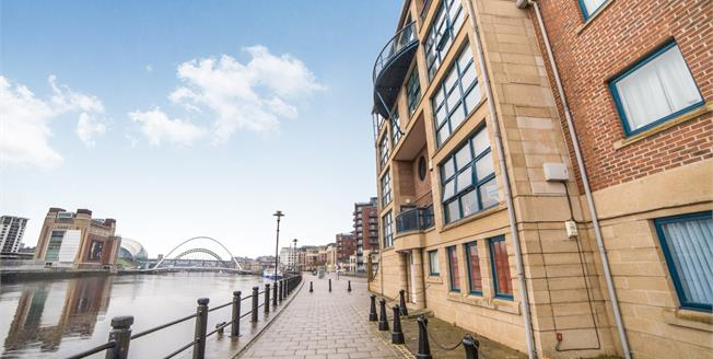 Asking Price £200,000, 2 Bedroom Flat For Sale in Newcastle upon Tyne, NE1