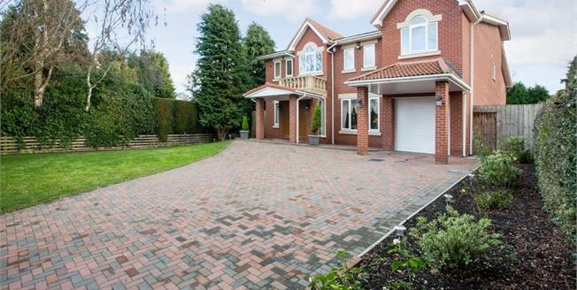 Guide Price £900,000, 6 Bedroom Detached House For Sale in Ponteland, NE20
