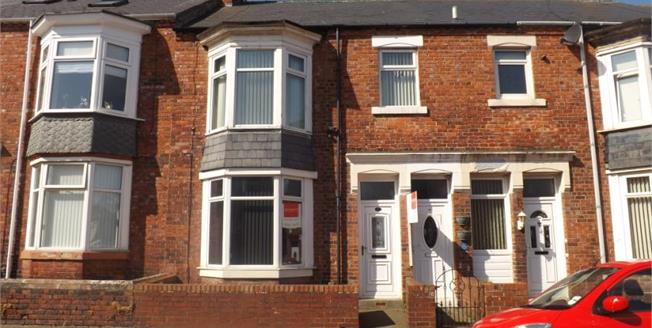 Offers Over £75,000, 2 Bedroom Upper Floor Flat For Sale in South Shields, NE33
