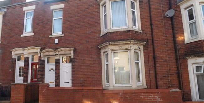 Asking Price £80,000, 2 Bedroom Terraced Flat For Sale in South Shields, NE33