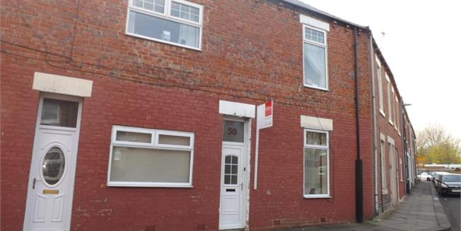 Guide Price £60,000, 2 Bedroom Upper Floor Flat For Sale in South Shields, NE33