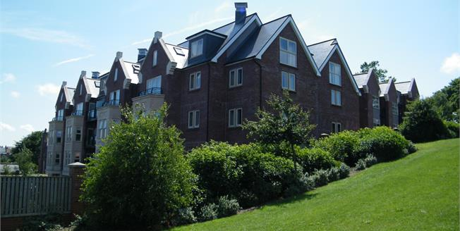 Guide Price £250,000, Upper Floor For Sale in Whitby, YO21