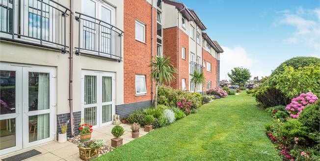 Guide Price £135,000, 1 Bedroom Flat For Sale in Whitby, YO21