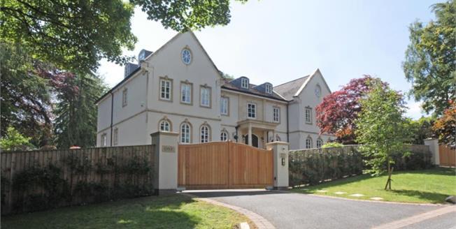 £2,500,000, 7 Bedroom House For Sale in Prestbury, SK10
