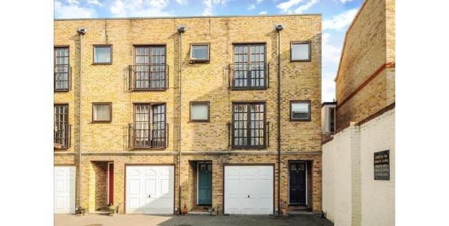Asking Price £1,000,000, 3 Bedroom Terraced House For Sale in London, N19