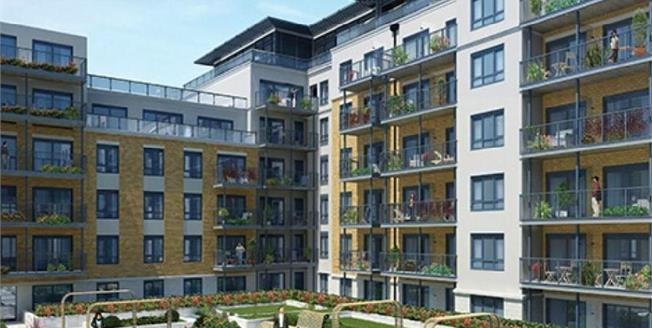 £600,000, 3 Bedroom Flat For Sale in Aerodrome Road, NW9