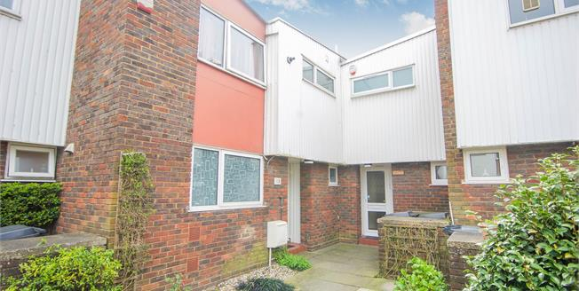 Asking Price £400,000, 3 Bedroom For Sale in London, NW9