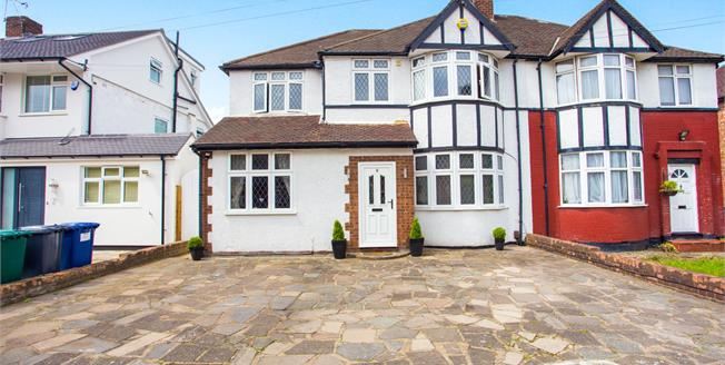Asking Price £800,000, 4 Bedroom Semi Detached House For Sale in Edgware, HA8
