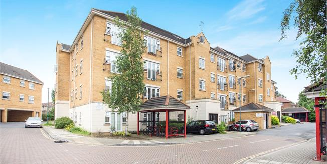 Asking Price £300,000, 2 Bedroom Flat For Sale in Edgware, HA8