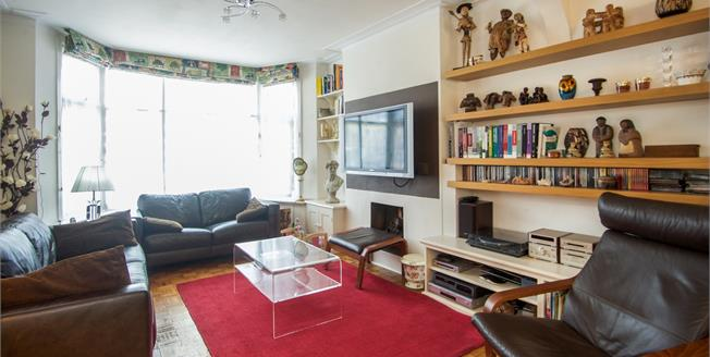 Asking Price £675,000, 3 Bedroom For Sale in London, NW9