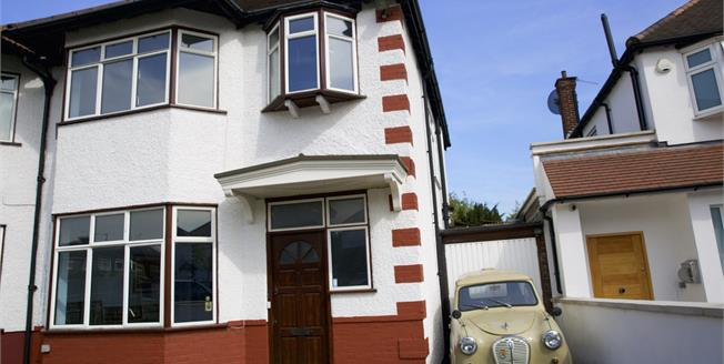 Asking Price £750,000, 3 Bedroom Semi Detached House For Sale in London, NW4