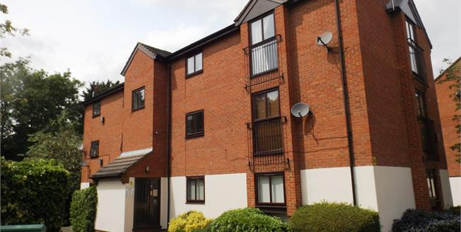 Asking Price £225,000, Flat For Sale in London, NW4