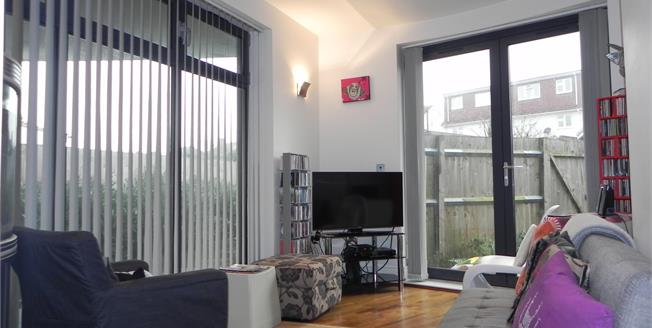 Asking Price £275,000, 1 Bedroom Flat For Sale in Harrow, HA3
