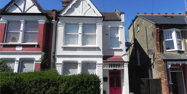 Asking Price £795,000, 3 Bedroom End of Terrace House For Sale in London, N11