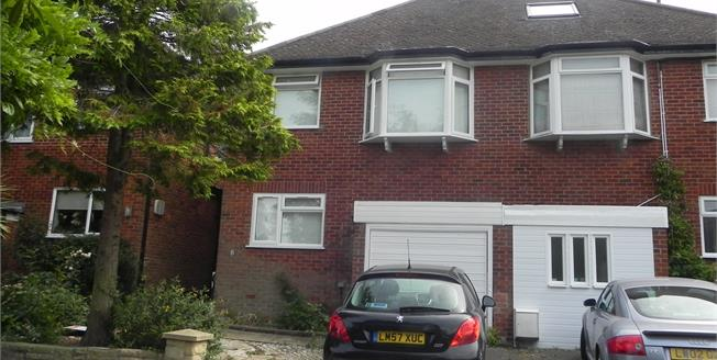 Asking Price £800,000, 3 Bedroom Semi Detached House For Sale in London, N12